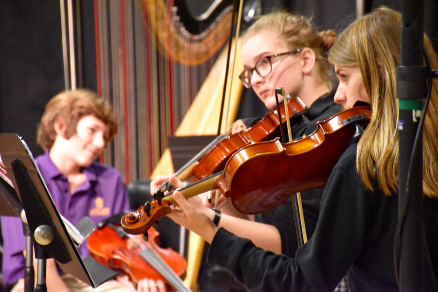 Lipscomb Academy students take part in orchestra.