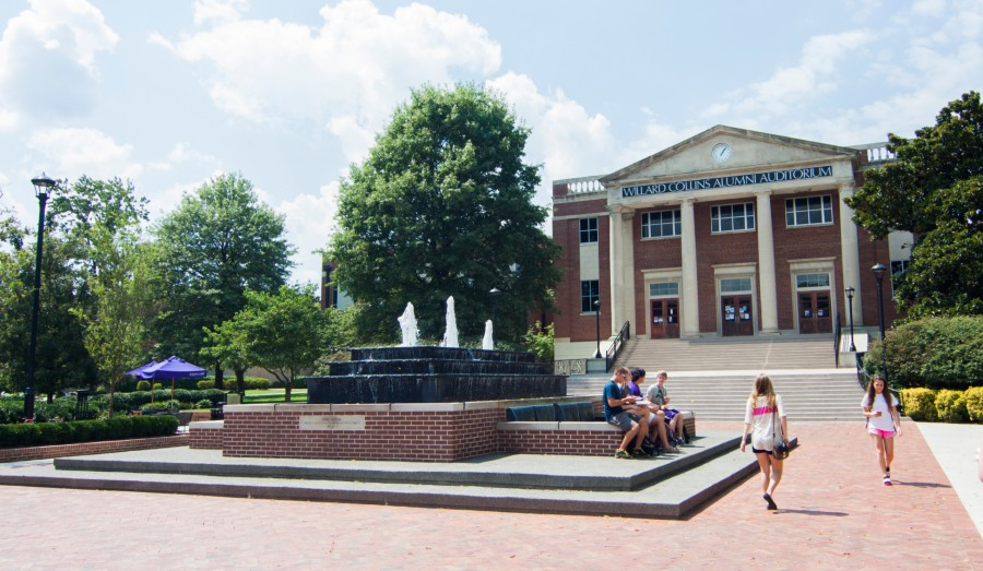 Fountain_Students