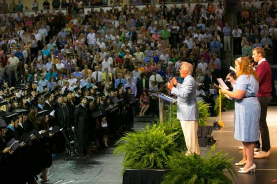 Alum Pat Boone leads the Lipscomb alma mater, which he wrote, during May 2015 commencement.